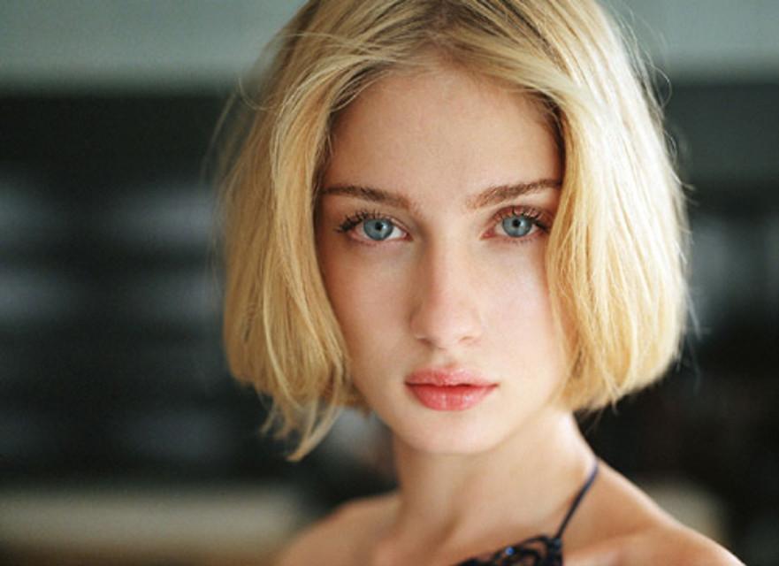 """La top model Eva Riccobono """"incoronata"""" la donna più bella del mondo"""